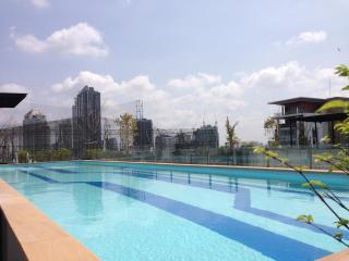 1BR Apartment BTS Eakamai at convenience location, Phra Pradaeng