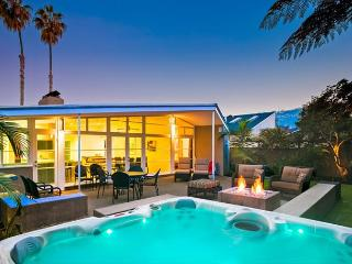 Piece of Paradise in the Shores-luxurious home w/ private yard and hot tub, La Jolla