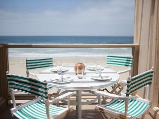 Oceanfront condo with stunning ocean, beach, and sunset views, San Diego