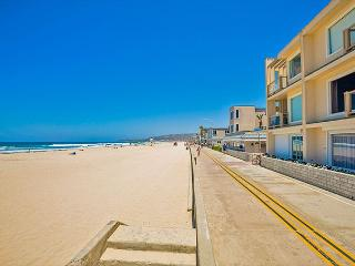 10% OFF DEC - Oceanfront Condo w/ Stunning Ocean, Beach, and Sunset Views