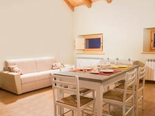 Bright 2bdr close to Parco Tre Cime