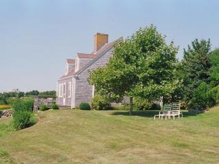 PARKE - Magnificent Ocean Views, Private Association Beach Rights, Chilmark