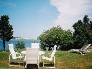MACKD - Hines Point, Waterview, Walk to town, Vineyard Haven