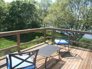 REYNW - Waterfront, Waterview, A/C, Great Pond,  Private Association Beach acces