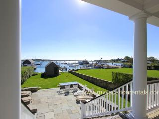 RONAP - Shamrock House, Luxurious Home, In-town, Harborfront, Dock, Spectacular
