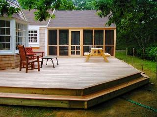 SPANM - Chilmark Newly Refurbished Cottage, Spacious Screened Porch and Deck Area, Private Location, Close to Lucy Vincent