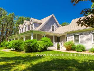 WALKS - Tashmoo Cove, Association Pool, Tennis and Beach, Central Air, Vineyard Haven
