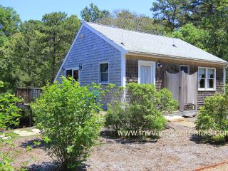 DEPUG - Lagoon Guest House, Walk to Private Lagoon Beach, Oak Bluffs