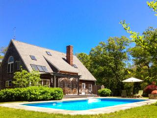 WOODJ - Gorgeous Retreat, Pool, Lush Landscaped Yard, Expansive Deck and Patio Areas, Luxury Interior, Media Room, Home Gym, Wi-Fi, AC Some Bedrooms, Lambert's Cove Beach, West Tisbury