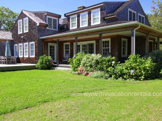 MICHA - Chilmark Hilltop Luxury Home, A/C, Wifi Internet
