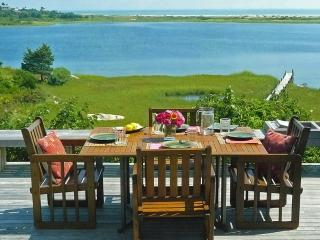 ALDEM - Gorgeous Waterfront Home, Magnificent Views of the Atlantic,  Great