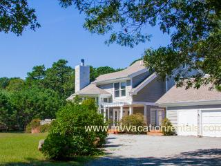 POLCJ - Tashmoo  Cove Condominium, Private Association Pool, Tennis and Beach, Central Air, WiFi, Vineyard Haven