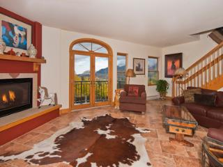 Bear Creek Lodge #410 (4 bedrooms, 4 bathrooms), Telluride