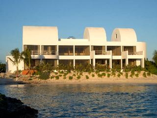 SBCASCOV - Point at Shoal Bay West, Anguilla - Beachfront, Pool and Hot Tub, West End Village