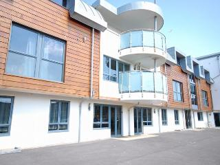 DAPAR Apartment situated in West Bay