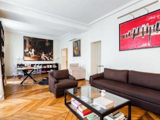 Parisian apartment in Saint-Germain-des-Pres, Parigi