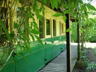 Ivywood Railway Carriage | Private Garden | Patio | Wood | Field