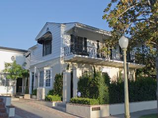 Kenmore Mews - Hollywood / Los Feliz Triplex