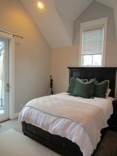 3rd Bedroom with sliding door to back deck