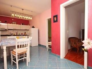 Apartment Peribonio - Vis - Rukavac, holiday rental in Vis