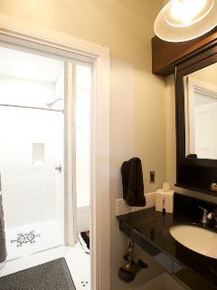 Skorda bathroom: barrier-free shower