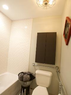 Skorda bathroom
