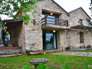 Impressive rural house in Galicia, Campo Lameiro