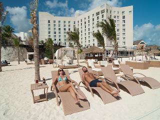 Royal Sunset Cancun 5-Star Resort Ocean Front, Cancún