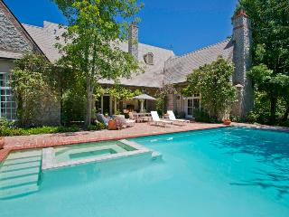 A French country style estate en route to wine country - Villa Chaparral, Santa Barbara