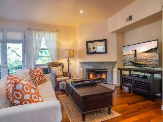 Elegant living with an ocean view in the heart of the Mesa-30 night minimum - Casa Turquesa, Santa Barbara