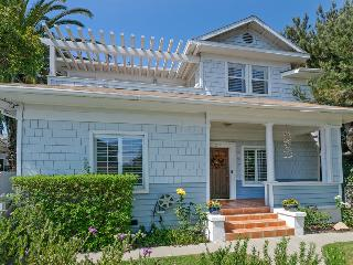 Delightful family home 2 blocks from State Street - Downtown Bungalow, Santa Barbara