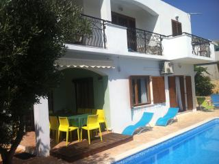 Apartment Katarina 2 in amazing Villa with pool