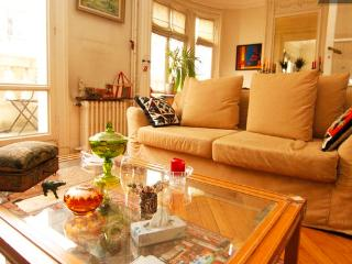 Great Paris Apartment in Trocadero