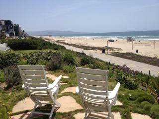 Escape the HEAT at this Great Beach Front Retreat!, Manhattan Beach