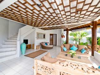 Wonderful, spacious villa 5 mn. from Echo Beach, Canggu