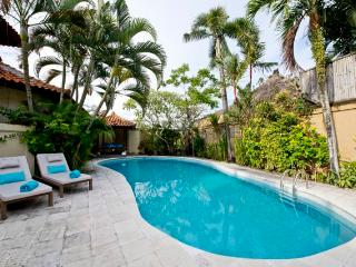 2 beautiful villas w 2 private pools, Echo Beach, Canggu