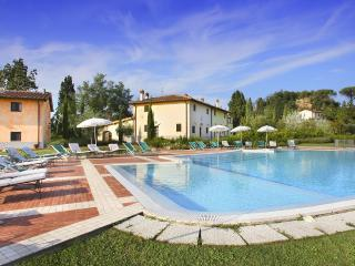 Finally a large property for a group of friends!, Montaione