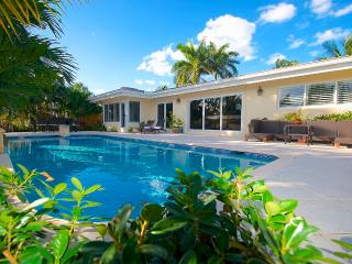 "By The Sea Vacation Villas LLC ""Casa Harbor"" 5 Star Waterfront HTd Pool Home!, Pompano Beach"