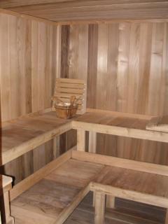 6-person sauna