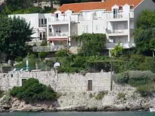 Dubrovnik Beach Front Studio App