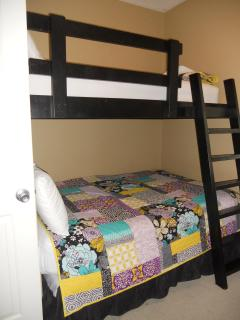 Bunk Room - Full Bed and Twin on top