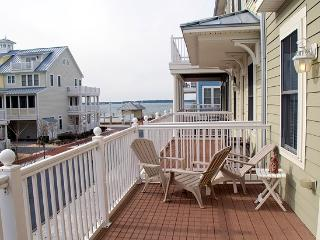 Sunset Island 18 Beach Walk Ln - Resort Townhome!
