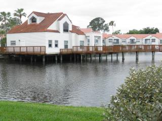 Cozy Lake View -Near Golf, Airport & Main Routes, Orlando