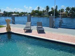 By The Sea Vacation Villas LLC-'Casa Marina' WATERFRONT Htd Pool+ Beach Access