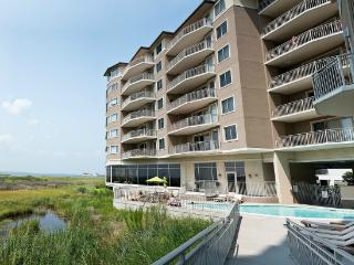 Rivendell 607 - Luxury Condo with Ind/Outdoor Pools!