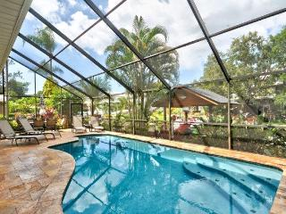 Lake Tarpon Executive 5br/ 4 bath Pool Home, Palm Harbor