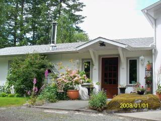 Mockingbird Hill Vacation Rental​​ And  Retreat, Port Alberni
