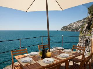 Beathtaking, on the ocean. Your piece of paradise in the Amalfi coast. 2 up to 5