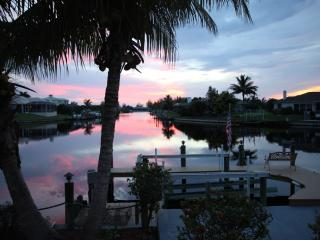 Barefoot-Sunsets Cape Coral Vacation Villa