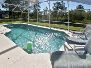 LUXURY SINGLE STOREY POOL HOME WITH LAKE VIEW, Davenport